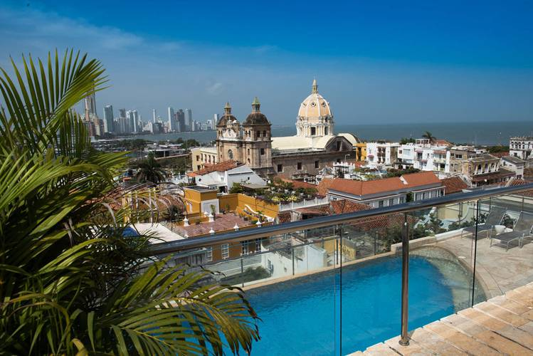 Swimming pool movich cartagena de indias hotel